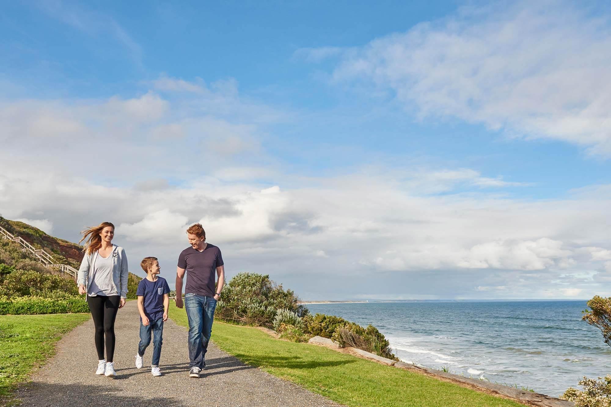 oakdene-walk-by-the-beach-2000